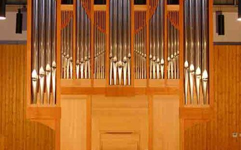 Orgel im Kirchgemeindehaus Münchenstein